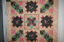 mom - makenna quilt 003